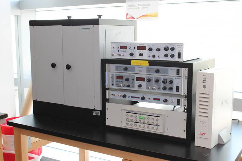 Planar Lipid Bilayer Workstation